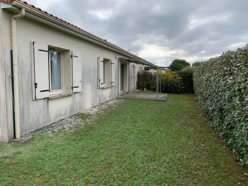 Rental house / villa Aiffres 717€ CC - Picture 7