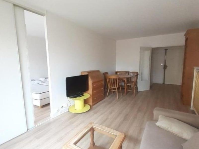Location appartement Paris 16ème 1357€ CC - Photo 1