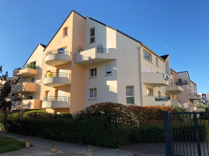 Rental apartment Beauchamp 806€ CC - Picture 1