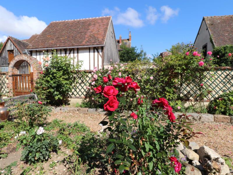 Rental house / villa Courville sur eure 735€ CC - Picture 1