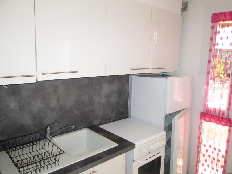 Sale apartment Balaruc les bains 138000€ - Picture 2