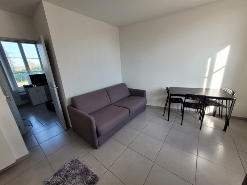 Location appartement Henonville 590€ CC - Photo 2