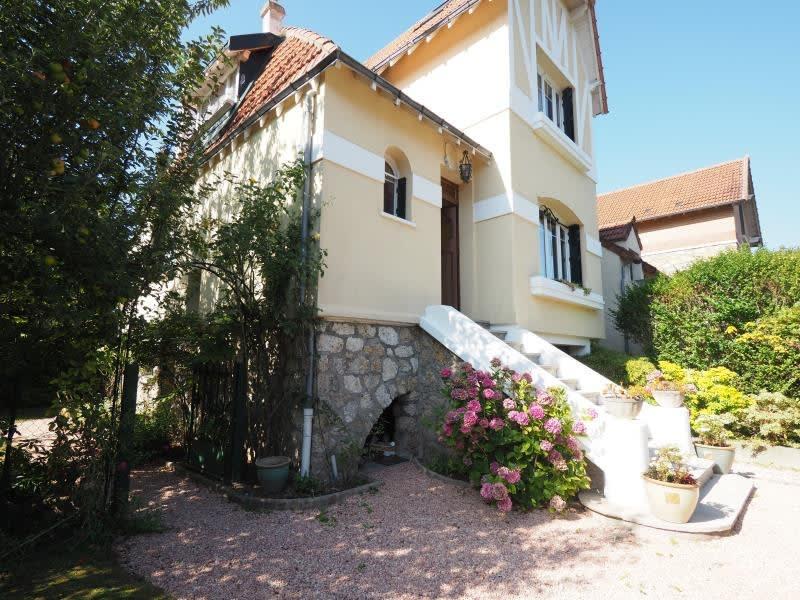 Sale house / villa Bois d arcy 575000€ - Picture 1