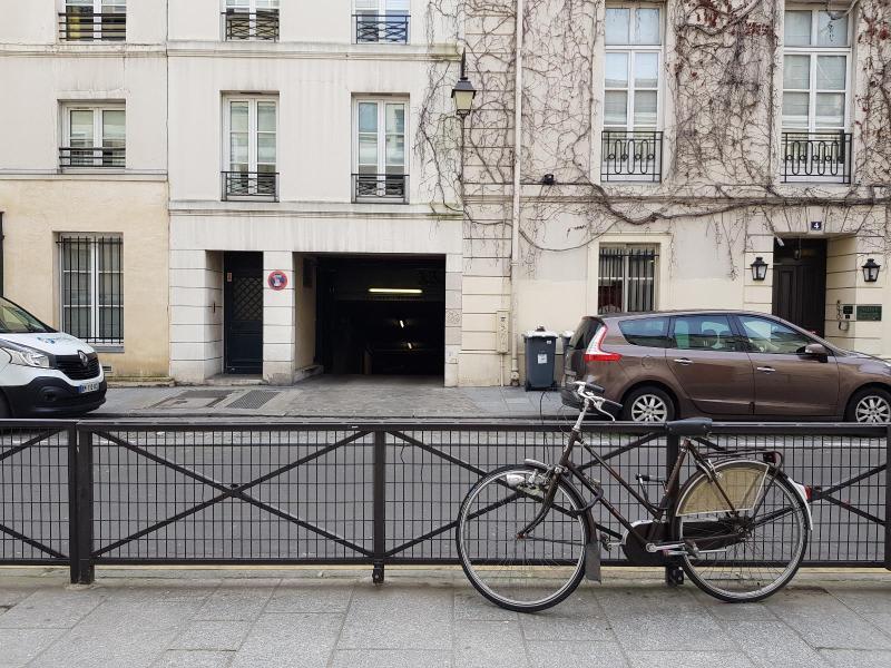 Location parking Paris 3ème 170€ CC - Photo 1