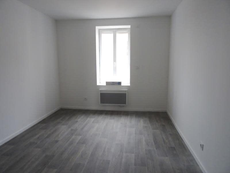 Location appartement Roanne 428,75€ CC - Photo 2