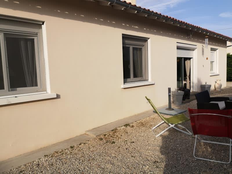 Deluxe sale house / villa Port des barques 317000€ - Picture 2