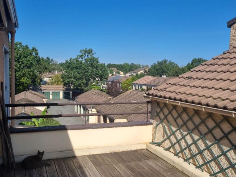 Sale apartment Eragny 296900€ - Picture 2