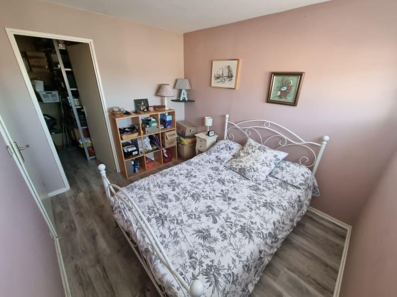 Sale apartment Eragny 296900€ - Picture 6