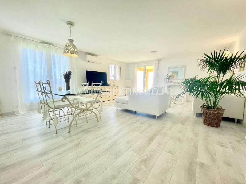 Deluxe sale apartment Menton 690000€ - Picture 2