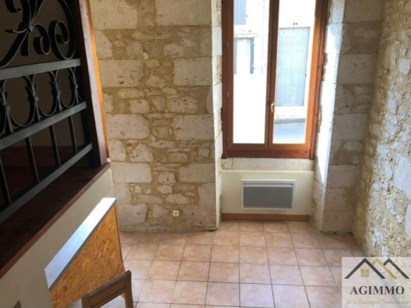 Location appartement Solomiac 330€ CC - Photo 2
