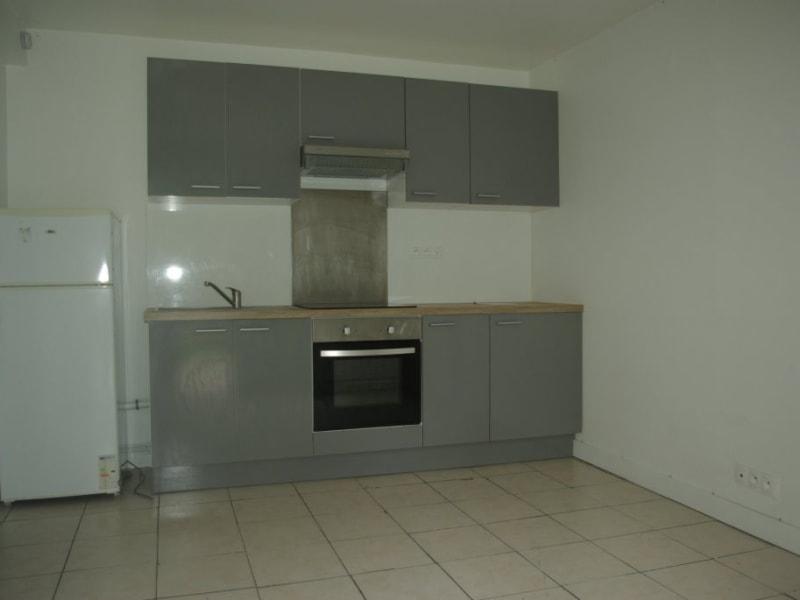 Rental apartment Livry gargan 950€ CC - Picture 3