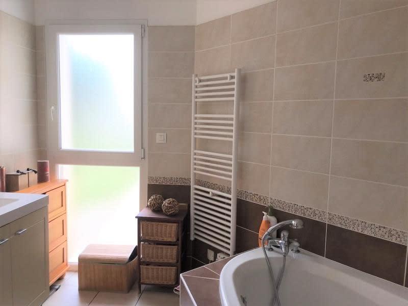 Vente maison / villa St andre de cubzac 317000€ - Photo 10