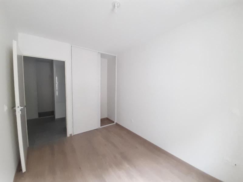 Location appartement Sassenage 781€ CC - Photo 5