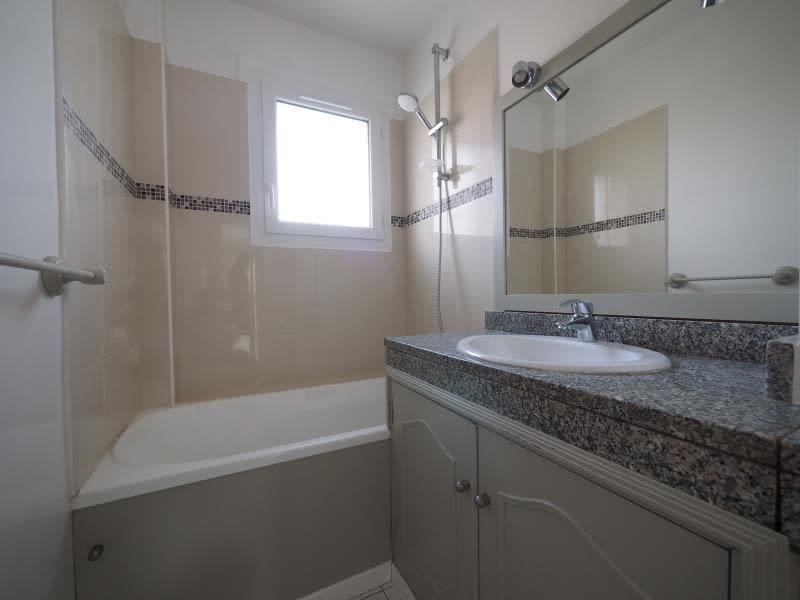Rental apartment Bois d arcy 980€ CC - Picture 3