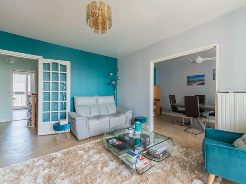 Sale apartment Courbevoie 549000€ - Picture 2