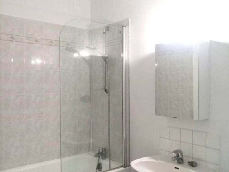 Rental apartment Courbevoie 1090€ CC - Picture 5