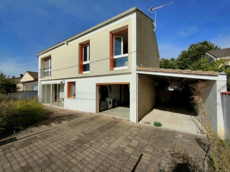 Sale house / villa Cherves richemont 203300€ - Picture 1