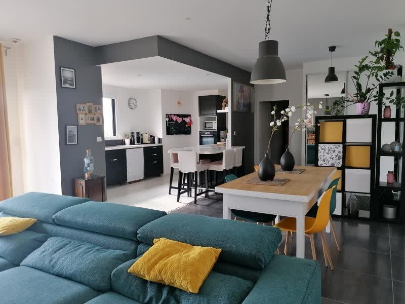 Sale house / villa L isle jourdain 390000€ - Picture 3