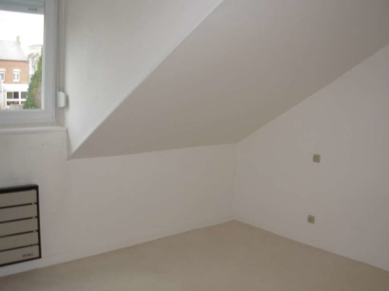 Location appartement Saint quentin 349€ CC - Photo 4