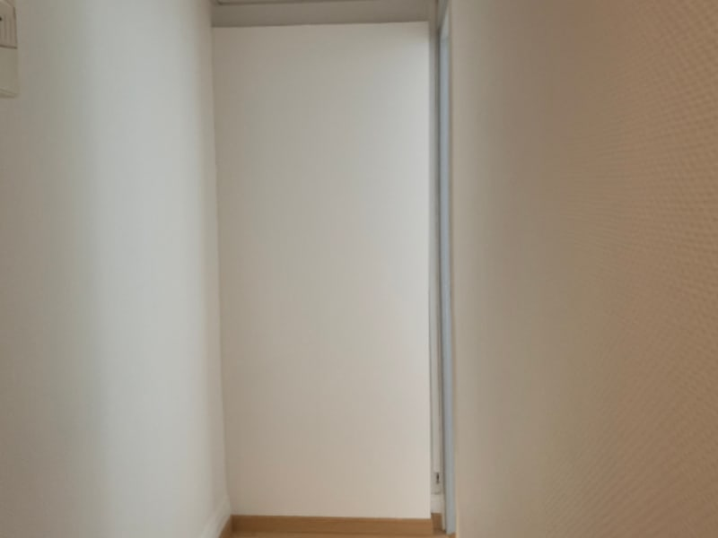 Location appartement Saint quentin 525€ CC - Photo 2