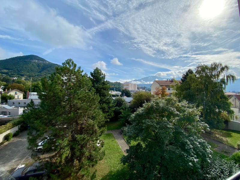 Sale apartment Voiron 229000€ - Picture 2