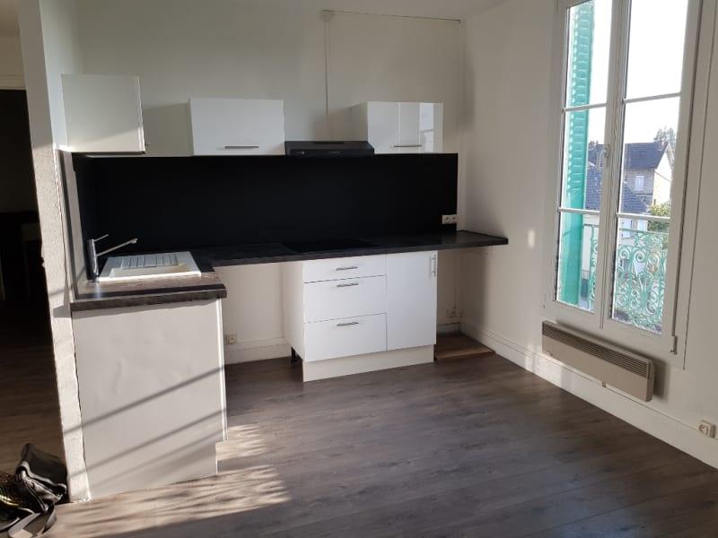 Rental apartment Beaumont sur oise 695€ CC - Picture 2