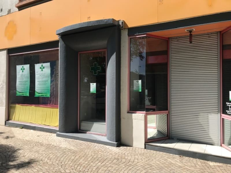 Location local commercial Bron 1150€ HC - Photo 3