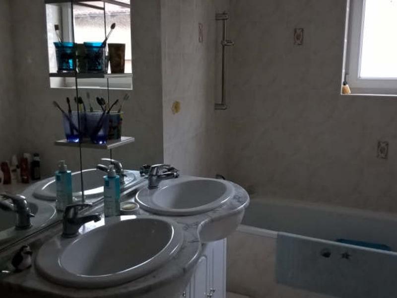 Rental apartment Saint jean de bournay 738€ CC - Picture 5