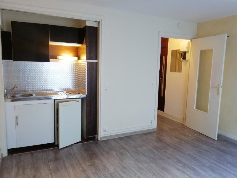 Location appartement Paris 16ème 843,75€ CC - Photo 3