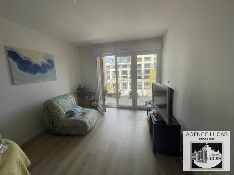 Location appartement Velizy villacoublay 940€ CC - Photo 1