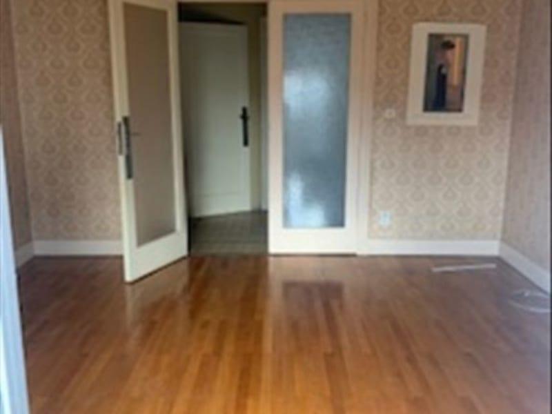 Sale apartment Roanne 117700€ - Picture 2