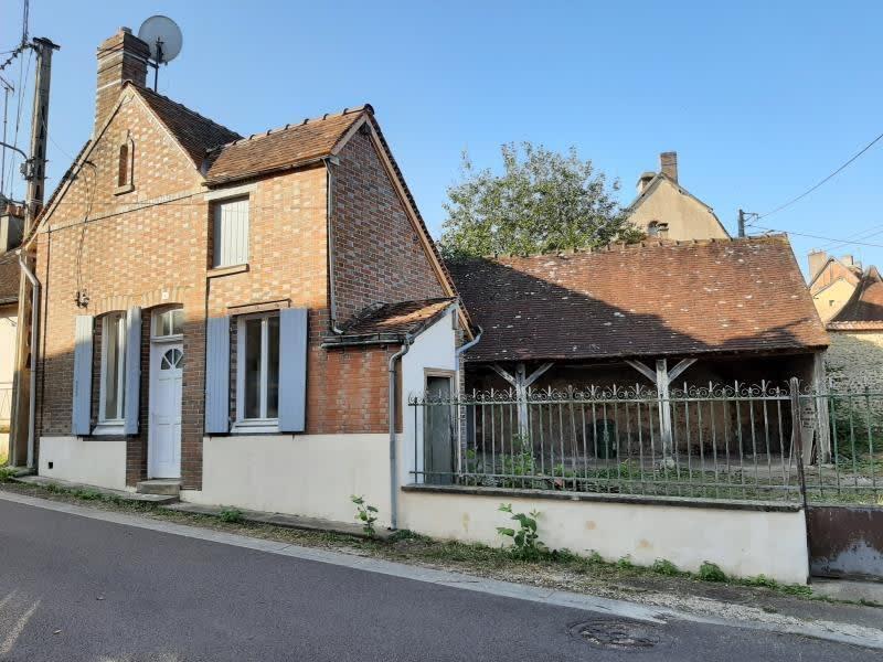 Sale house / villa Champignelles 75800€ - Picture 1