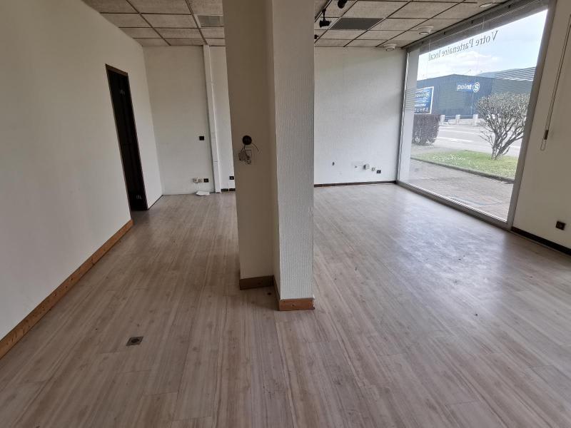 Sale empty room/storage Oyonnax 102500€ - Picture 4