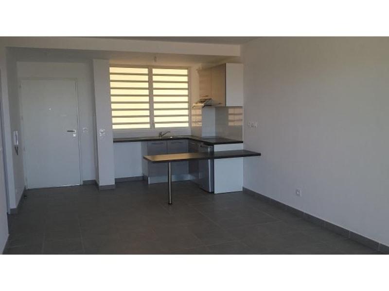 Location appartement St denis 617€ CC - Photo 3