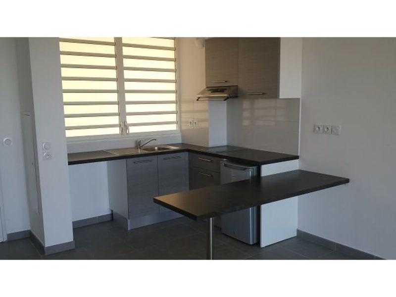 Location appartement St denis 617€ CC - Photo 4