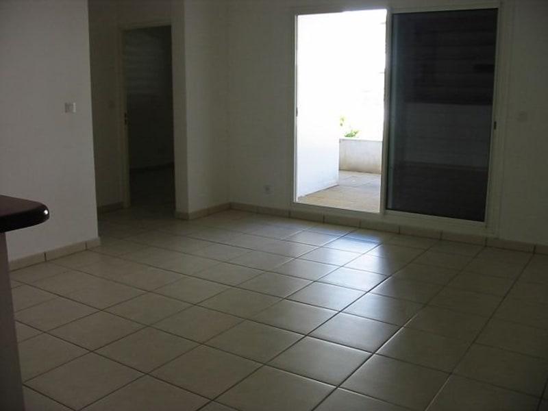 Location appartement St denis 610€ CC - Photo 2