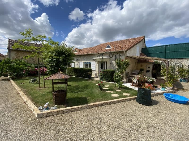 Vente maison / villa Antran 440000€ - Photo 8