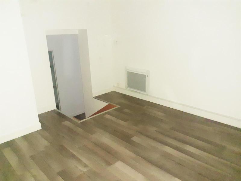 Location appartement Paris 16ème 1453€ CC - Photo 5
