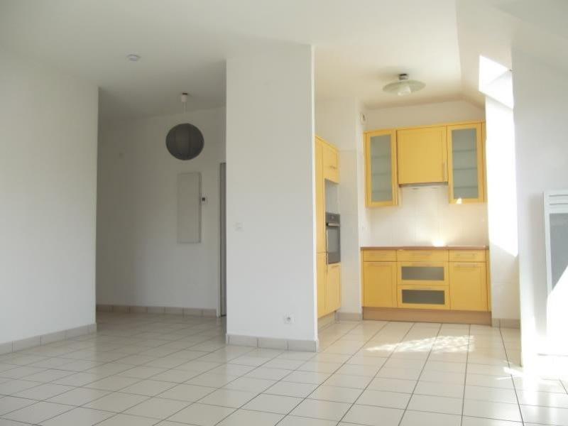 Rental apartment Voisins le bretonneux 1680€ CC - Picture 2