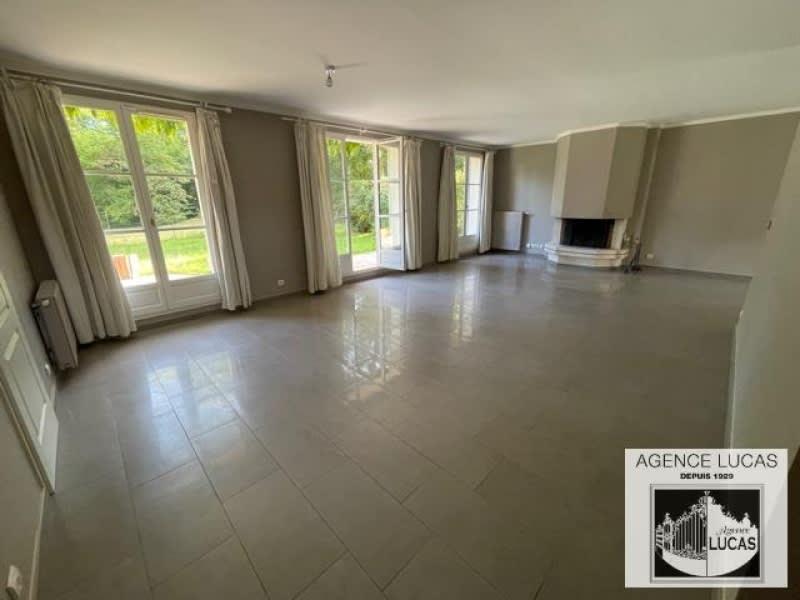 Location maison / villa Verrieres le buisson 2600€ CC - Photo 2