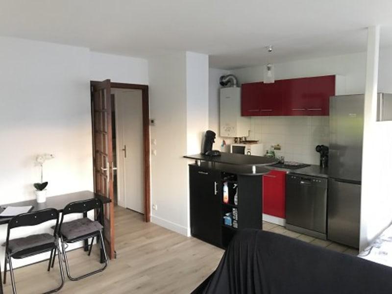 Sale apartment Plaisir 166000€ - Picture 1