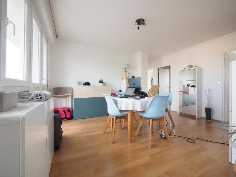 Rental apartment Bois d arcy 1065€ CC - Picture 2