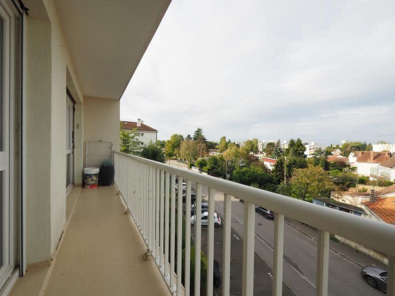 Rental apartment Bois d arcy 1065€ CC - Picture 3