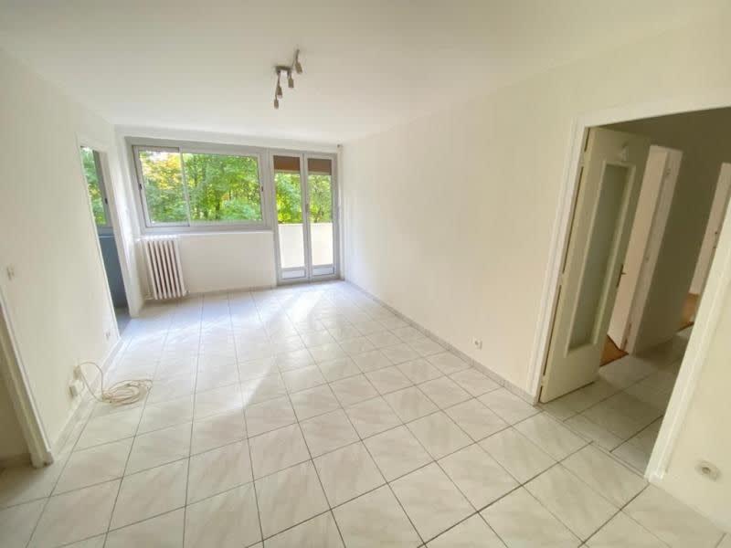 Rental apartment Le pecq 1066€ CC - Picture 1