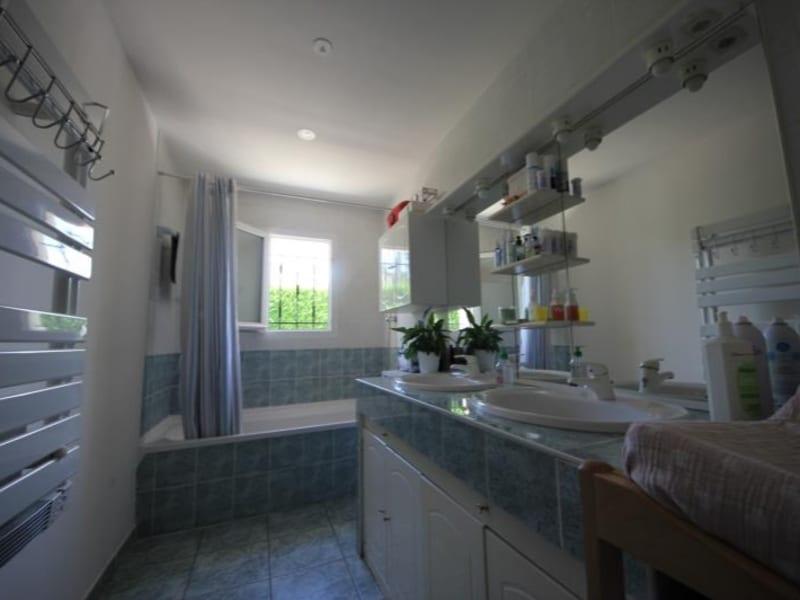 Vente maison / villa St andre de cubzac 299000€ - Photo 6