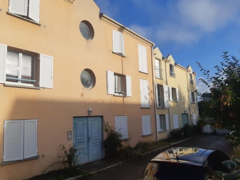 Rental apartment Acheres 883,49€ CC - Picture 1