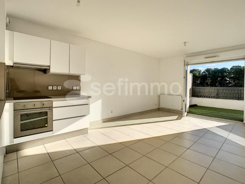 Rental apartment Aix en provence 804€ CC - Picture 2