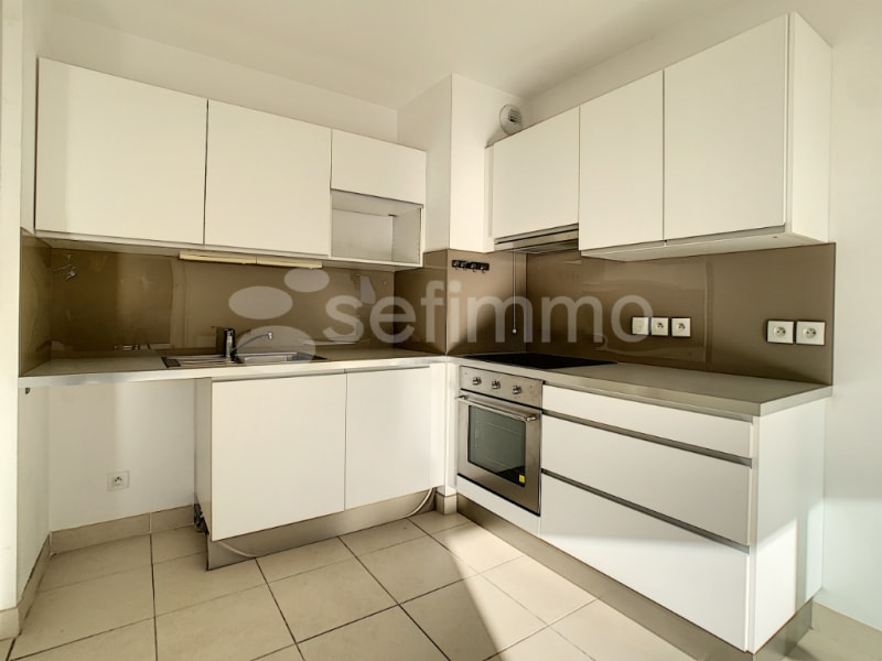 Rental apartment Aix en provence 804€ CC - Picture 3