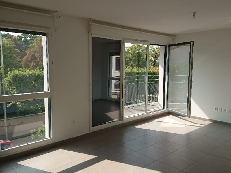 Rental apartment Athis mons 1048,60€ CC - Picture 2