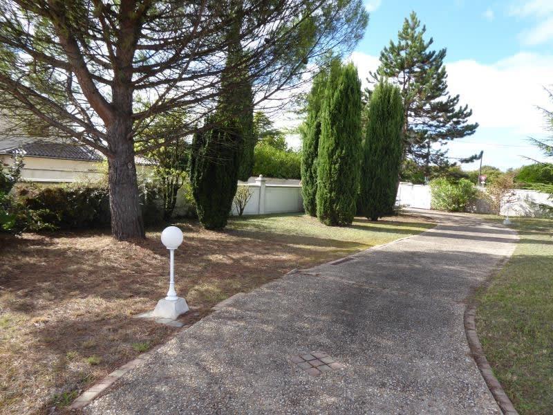 Sale house / villa Merpins 235400€ - Picture 2